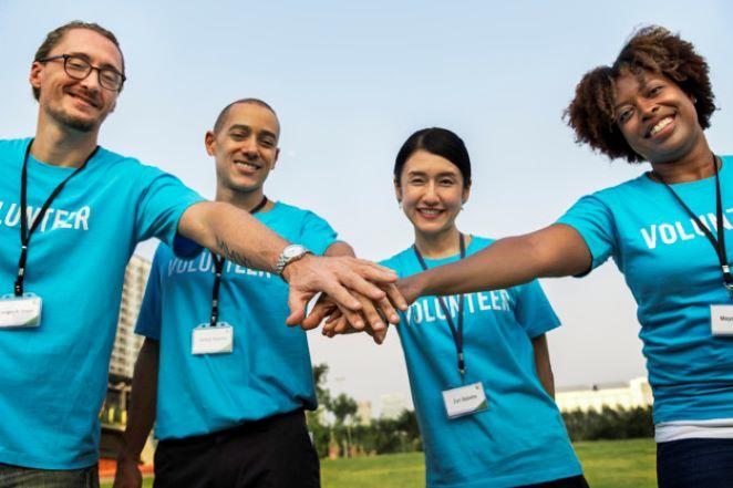 team volunteers